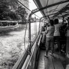 Bangkok, Khlong Saen Saep boat service