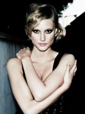 Model: Amo, MakeUp: Sarah Lucia Rabel